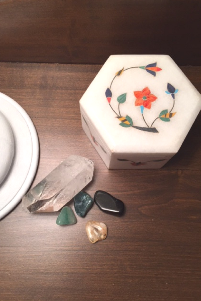 CRYSTALS AND THE TAJ MAHAL BOX